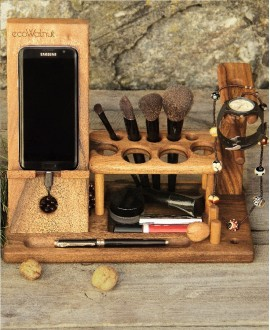 Wooden organizer for cosmetics