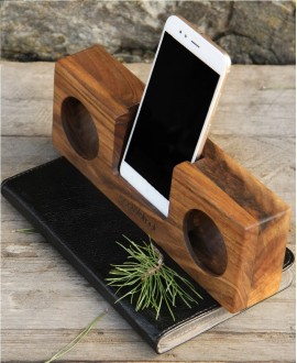 Smartphone sound amplifier