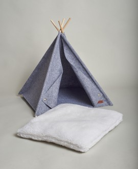 Wigwam for animals with buttons