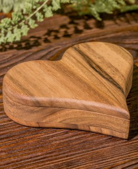 Коробочка з дерева для каблучок «Серце»
